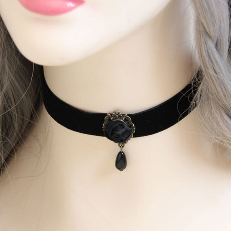Fashion Black Velvet Retro Gothic Collar Choker Necklace Red Rose Flower Charms Pendant For Women Jewelry Collier Femme Bijoux