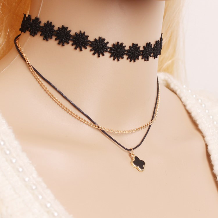 90's Inspired Multi-layer Black Choker Necklace With Pendant